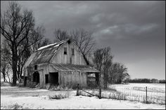 Old barn south of Des Moines