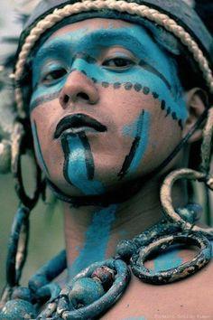Mayan man, honduras beautiful world, beautiful body, aztec culture, quintan Cara Tribal, Tribal Face, People Around The World, Around The Worlds, Interesting Faces, World Cultures, Face Art, Beautiful World, Beautiful Body