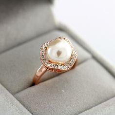 pearl ring ~ beautiful setting