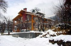 2 & 3 Bedroom Pine Wood Cottages in Main Manali - Find a large selection of handpicked Cottages for renting in Kasauli, Mussoorie, Shimla, Manali, Nainital, Mashobra, Ranikhet, Bhimtal, Lansdowne, Ranikhet, Dalhousie, Gangtok, Hill Stations around Delhi,Pet friendly hotels,pet friendly cottages near delh