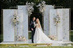 Wedding Stage Backdrop, Ceremony Backdrop, Romantic Themes, Backdrops, Lavender, Wedding Ideas, Wedding Dresses, Fashion, Fiestas