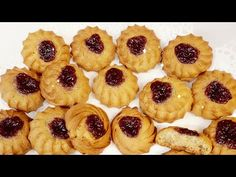 ,,Fursecuri de post,,astazi vreau sa va prezint cea mai delicioasa reteta de post - YouTube Vegan Desserts, Mai, Cheesecake, Muffin, Nicu, Breakfast, Food, Youtube, Morning Coffee