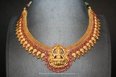 Gold Antique Lakshmi Choker From Prakurthi ~ South India Jewels Gold Temple Jewellery, Gold Wedding Jewelry, Bridal Jewelry, Jewellery Box, Silver Jewellery, India Jewelry, Jewelry Sets, Kerala Jewellery, Silver Rings