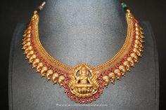 Gold Antique Lakshmi Choker From Prakurthi ~ South India Jewels Gold Temple Jewellery, 1 Gram Gold Jewellery, Gold Wedding Jewelry, Silver Jewellery Indian, Gold Jewellery Design, Bridal Jewelry, Gold Jewelry, Jewellery Box, India Jewelry