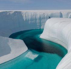 水と雪が作り上げた神秘の造形、世界11の幻想的氷の世界: カラパイア