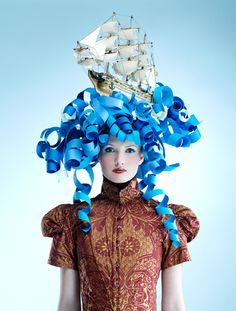 halloween headdress: Paper wig by Bonnie Holland photography.//ship at sea Mardi Gras Costumes, Halloween Costumes, Mode Origami, Foam Wigs, Funny Hats, Crazy Hats, Paper Fashion, Recycled Fashion, Derby Hats