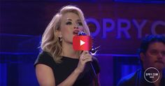 The stunning Carrie Underwood just put on a Grand Ole Opry performance for the ages