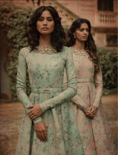 Always wondered what that gorgeous Sabyasachi Lehenga cost? Well, I have the answer to that million dollar question. Check out New Sabyasachi Lehenga Prices right here. Sabyasachi Dresses, Anarkali Dress, Lehenga Designs, Indian Attire, Indian Outfits, Mode Lolita, Printed Gowns, Indian Gowns Dresses, Mode Hijab