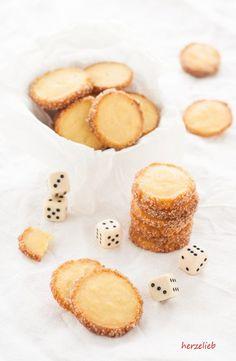 Zitronen-Kardamom-Kekse können das ganze Jahr gegessen werden. Der Teig lässt sich einfrieren! Kekse, ganz einfach und leicht z backen!