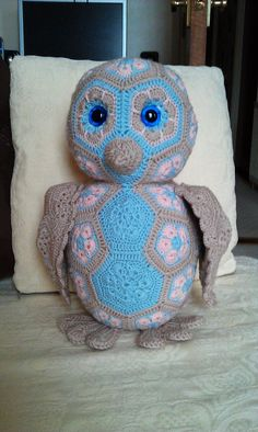 Really enjoyed making another owl… Thought I'd try pastel colours for a change. I think it works! Crochet Owls, Crochet Animals, Crochet For Kids, Crochet Baby, Amigurumi Patterns, Doll Patterns, Crochet Patterns, Crochet African Flowers, Crochet Flowers