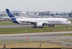 F-WXWB Airbus Industrie Airbus A350-941 taken 11. Jun 2013 at Toulouse - Blagnac (TLS / LFBO) airport, France by Peraudeau