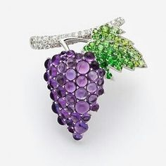 Grapes brooch in platinum with amethyst, demantoid garnets, and diamonds, Gimel, Japan