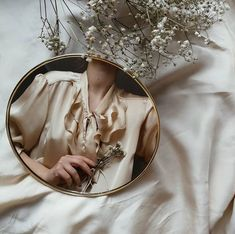 Image about white in Fashion milk🥛 by tinker belle Mirror Photography, Self Portrait Photography, Body Photography, Jewelry Photography, Fashion Photography, Gold Aesthetic, Classy Aesthetic, Aesthetic Photo, Aesthetic Pictures