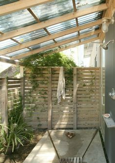 1 Best Inspiring Outdoor Bathroom Design Ideas 28 Outdoor Shower Ideas with Maximum Summer Vibes Outdoor Baths, Outdoor Bathrooms, Outdoor Rooms, Outdoor Living, Outdoor Toilet, Modern Bathrooms, Outdoor Kitchens, Small Bathrooms, Outside Showers