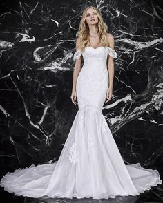 8ac5af3db2ef1c How to Find the Perfect Wedding Dress for Your Body Type