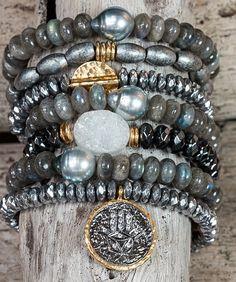 Check the way to make a special photo charms, and add it into your Pandora bracelets. Pulseras Boho pila de pulseras pulseras de por AlisonStorryJewelry