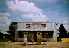 Photo by William Christenberry-- Coburn Grocery, Uniontown Paint Photography, Creative Photography, Street Photography, Old General Stores, Old Country Stores, William Christenberry, Sweet Home Alabama, Beautiful Architecture, Old Pictures