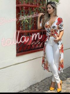23 Dazzling Fashion Clothes for 2019 - 1 In you want to create a different atmosphere on your mind, but if you are uncertain about the mo. Casual Chic Outfits, Trendy Outfits, Summer Outfits, Cute Outfits, Kurta Designs Women, Blouse Designs, Pantalon Thai, Mode Kimono, Girl Fashion