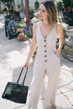 The perfect linen jumpsuit for summer jess ann kirby Classy Outfits, Casual Outfits, Jumpsuit Outfit, Linen Skirt, Overall, Skirt Outfits, Ideias Fashion, Style Me, Romper Outfit