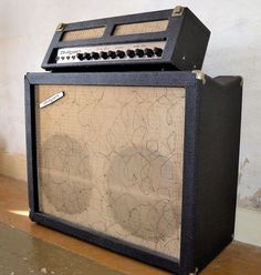 Vintage Rock, Vintage Music, Bluegrass Music, Bass Amps, Cool Gear, Pedalboard, Gretsch, Vintage Guitars, Cool Tones