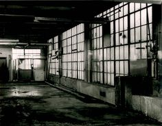 Am I the only one who thinks that it would be amazing to run around inside an abounded wear house at night...alone? (;