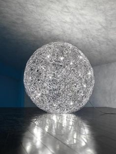 The Catellani & Smith Fil de Fer Terra 120 is a floor lamp in spherical form made of aluminum wire. It is the largest light of this version and deliverable in 2 versions Luxury Lighting, Lighting Design, Lighting Ideas, Crystal Room, Interior Design Work, Shops, Led Floor Lamp, Bedroom Lighting, Beautiful Lights