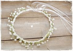 Ein Haarkranz für die Braut mit Schleierkraut von Kranzverliebt. http://de.dawanda.com/product/80683527-Haarkranz-Brautkranz-Hochzeit-Braut-51