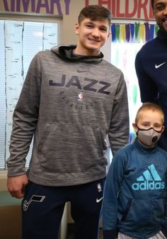 Pro Basketball, Basketball Players, Grayson Allen, Kind And Generous, Duke Blue Devils, Memphis Grizzlies, Utah Jazz, How To Look Better, College