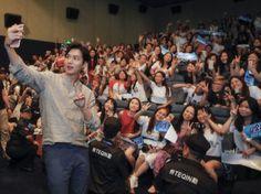 KOREA News |  #韩国 新闻 |[http://m.media.daum.net/m/entertain/newsview/20160626132806420] | 26 June 2016 (Sunday) | #ActorLeeMinHo | #LeeMinHo   #李敏鎬 | NEWS Headlines |  '한류스타' 이민호, 팬 사랑도 남다른 클래스 | Daum 뉴스 | (Source:  Donga | 26 June 2016 @ 16:06:26 hours | via: GoodBoySR | Twitter |  PHOTO x 3 | P01 of P03 | P50 of P52 | THIS Post: 26 June 2016 (Sunday) @ 17:55 hours | In Cinema | July 01 | #China #Australia #NewZeland #UK #Ireland July 14 | #Malaysia #Singapore | July 28 | #HK | August 05…