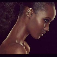 The portfolio of stage & motion makeup designer JULIE BÉGIN Fatima Siad, Supermodel Iman, Makeup Gallery, Highlighter Makeup, Photo Makeup, Julie, Beauty Trends, Black Girls, Black Women