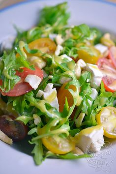 Caprese Salad, Salsa, Grilling, Beverages, Lunch Box, Food And Drink, Yummy Food, Meat, Chicken