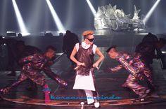 """[REPORT] Konser G-Dragon di Jakarta, Konser K-Pop Kualitas Dunia  Posted bymaulanaiqbalsKwon Ji Yong atau yang biasa dikenal dengan nama G-Dragon sukses menggelar konser solo perdananya di Mata Elang International Stadium (MEIS), Ancol, Jakarta, pada tanggal 15 dan 16 Juni 2013. G-Dragon hadir di Jakarta dalam rangkaian tur dunia """"G-Dragon 1st World Tour 'One Of A Kind"""".KWI mendapat kesempatan untuk meliput konser G-Dragon di hari pertama pada tanggal 15 Juni 2013. Ribuan penggemar hadir…"""