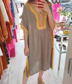Plaid Fashion, Abaya Fashion, Skirt Fashion, Fashion Dresses, Sleeves Designs For Dresses, Fancy Blouse Designs, Casual Dresses Plus Size, Modest Dresses, Iranian Women Fashion