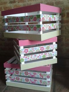 Super furniture from wooden crates Wooden Crates Crafts, Crate Crafts, Wood Crates, Wood Boxes, Diy Craft Projects, Wood Projects, Diy Crafts, Decoupage Vintage, Decoration Shabby