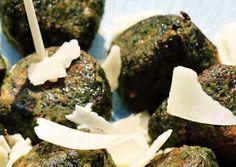Voorgerecht: spinazieballetjes. Menu, 14 November, Desserts, Food, Menu Board Design, Tailgate Desserts, Deserts, Essen, Postres