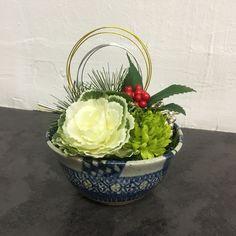 Flower Arrangement for New Year コウコウヤのお正月アレンジメントです。creemaにて発売中! 水やり不要なアーティシャルフラワーです。