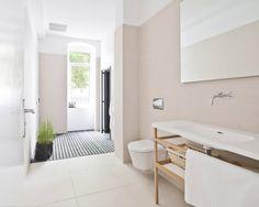 A Spacious Apartment in Prenzlauer Berg : Skandinavische Wohnzimmer von lifelife GmbH