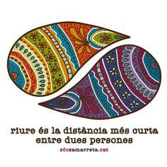 Samarreta Riure, perquè el riure és la distància més curta entre dues persones, posa't aquesta samarreta que pots veure a socsamarreta.cat