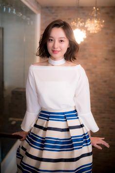 Kim Ji Won - Interview for 'Descendants of the Sun' Korean Women, Korean Girl, Korean Beauty, Asian Beauty, Korean Celebrities, Celebs, Asian Woman, Asian Girl, Kim Ji Won