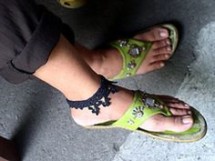Ravelry: Soot and Gold anklet pattern by Fatima