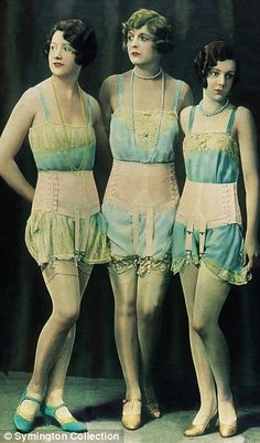 The evolution of women's underwear during the century, well mostly from women (those who abandon their corset), wore undergarments such as these slips, stockings, and girdles. Lingerie Vintage, Vintage Underwear, Ladies Underwear, Women's Underwear, Women Lingerie, 20s Fashion, Fashion History, Vintage Fashion, Ladies Fashion