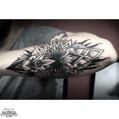 Mandala Blackwork Tattoo From Otheser! #dotwork #blackwork #mandala #dotism #hand