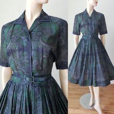 Vintage Summer Dresses, 1940s Dresses, Cotton Dresses, Day Dresses, Vintage Outfits, Vintage Fashion, Shirtwaist Dress, Taffeta Dress, Paisley Dress