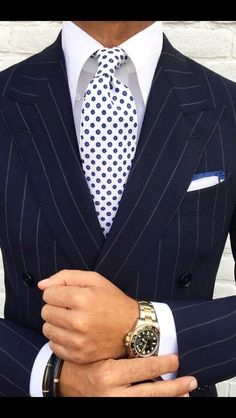 Weddings Suits Men Fits perfect to a KEPLER Accessoires -> www.kepler-lake-c. Style Gentleman, Gentleman Mode, Sharp Dressed Man, Well Dressed Men, Mens Fashion Suits, Mens Suits, Mode Costume, Pinstripe Suit, Herren Outfit