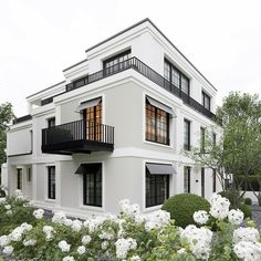 99 Unique Apartment Balcony Design And Decor Ideas is part of Architecture house - Are you a city or apartment dweller looking for a balcony grill you can use in your smaller outdoor space […] Exterior House Colors, Exterior Design, Interior And Exterior, Facade Design, Modern Interior, Black Windows Exterior, Gray Exterior, Lobby Interior, Exterior Doors
