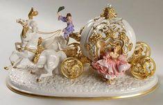 Franklin Mint Franklin Mint Figurines Cinderella's Enchanted Coach Anniv Fig - No Box Cinderella Coach, Cinderella Carriage, Fancy Makeup, Kawaii Bedroom, Princesa Disney, Franklin Mint, Metal Models, Butterfly Art, Disney Art