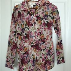 H&M button down floral shirt Never worn. Tags removed. Beautiful bold colors. H&M Tops Button Down Shirts