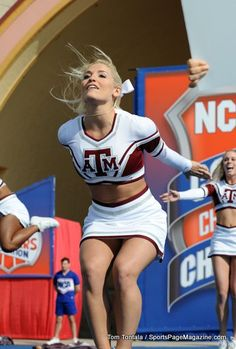 NCA: National College Cheerleading Championships - Intermediate All Girl 1 and 2 - Preliminaries cheer Cheerleader Images, Football Cheerleaders, Cheerleader Girls, College Cheerleading, College Football, Competitive Cheerleading, Cheerleading Quotes, Cute Cheer Pictures, Cheer Poses