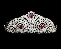 A diamond swirl tiara with cabochon ruby accents, made by Cartier. An elaborate ruby and diamond tiara, formerly belonging to a memb. Royal Crowns, Royal Tiaras, Tiaras And Crowns, Cartier Jewelry, Antique Jewelry, Jewelery, Vintage Jewelry, Diamond Tiara, Diamond Cuts