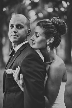Classic Glam Georgia Wedding by Ariel Renae Photo - Southern Weddings Magazine Wedding Bun, Wedding Poses, Wedding Ideas, Bridal Hair Inspiration, Wedding Photo Inspiration, Wedding Hair And Makeup, Wedding Beauty, Georgia Wedding, Southern Weddings